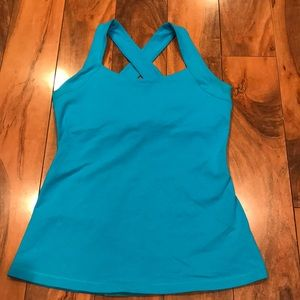 Lucy athletic top turquoise size medium